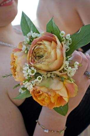 wedding-bridesmaid-bouq